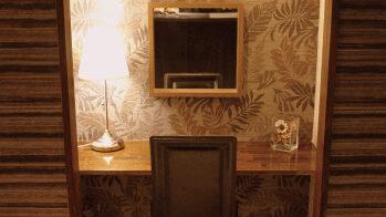 シースリーの机と椅子