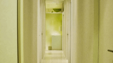 広尾プライム皮膚科の廊下