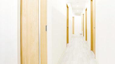 リアラクリニックの廊下