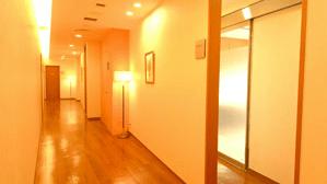 ウェルネスビューティクリニックの廊下